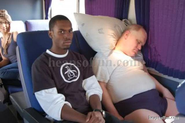 funny_passenger_sleep_on_bus_m1006